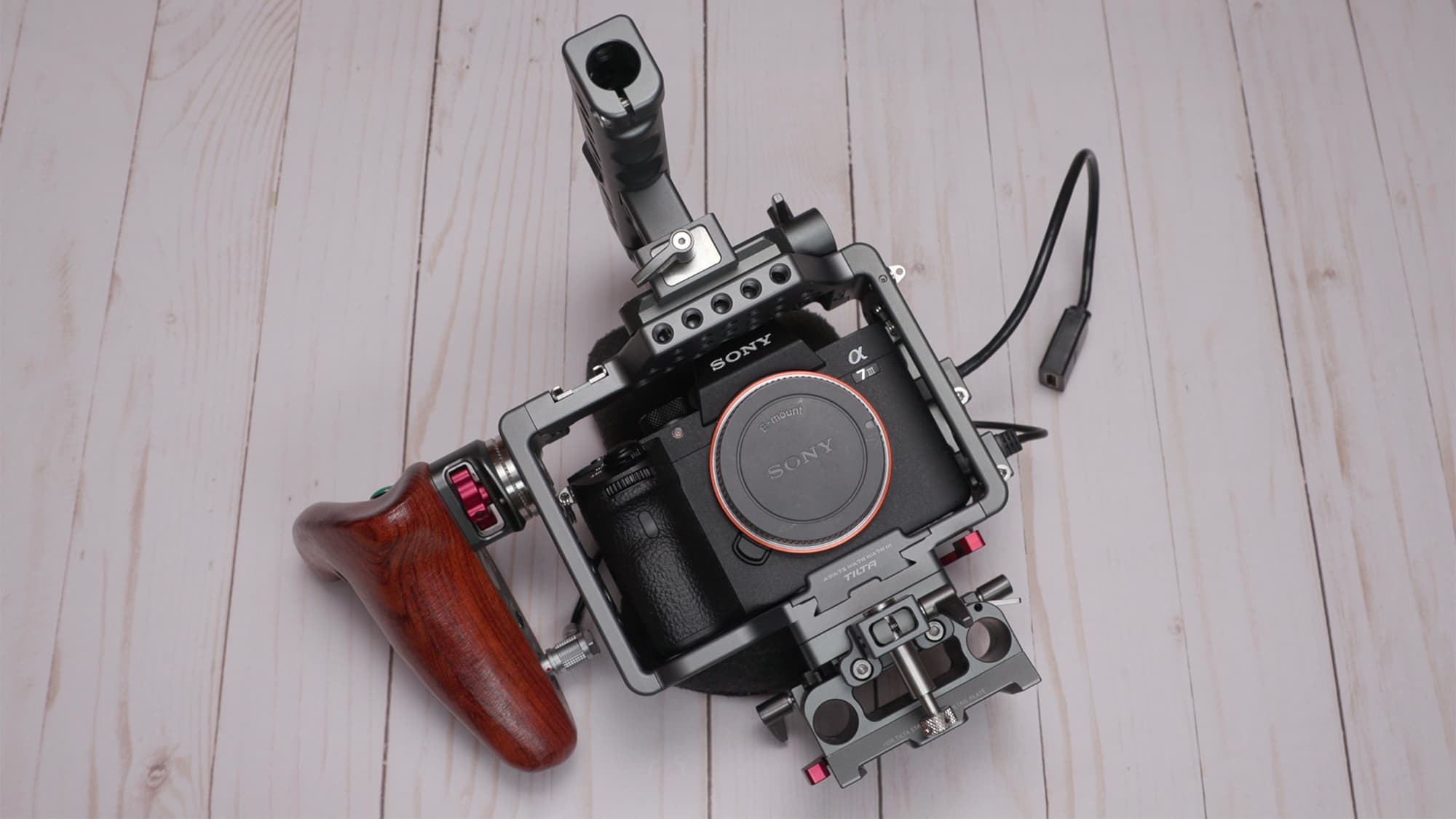 Sony A7/A9 Camera Cage Review by Newsshooter